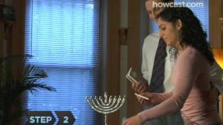 How To Light The Hanukkah Menorah