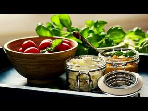 Il tavolo di contenuto calorico di prodotti su proteine a grassi e carboidrati