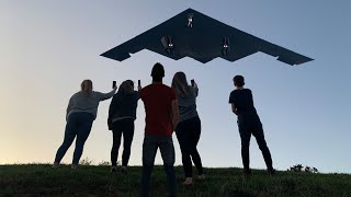 B-2 BOMBERS Fairford 2019 with low and loud overhead passes 4K