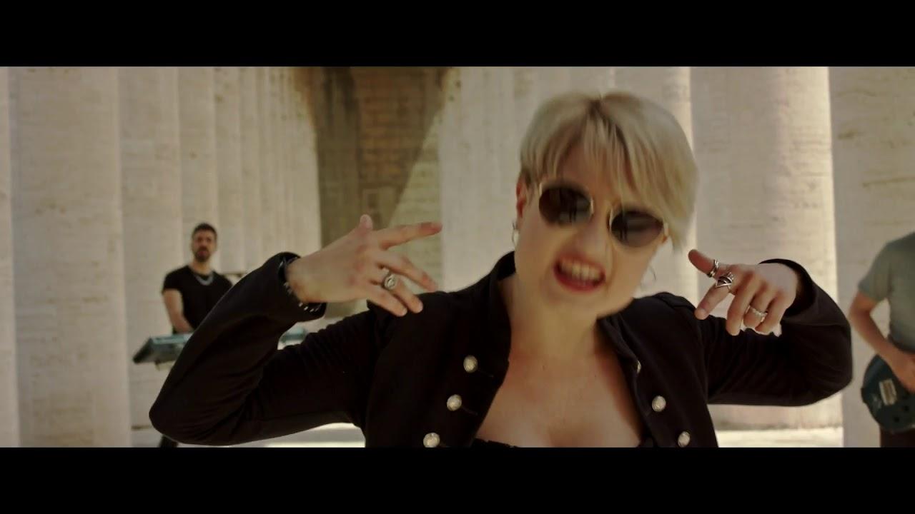 MIKE DELLA BELLA - Turn on you