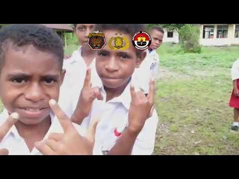 Peduli Pendidikan, Binmas Noken Polri Pi Ajar di SD Inpres Kwamki Narama