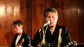 Franz Ferdinand - Bullet (Unplugged At Music Feeds Studio)