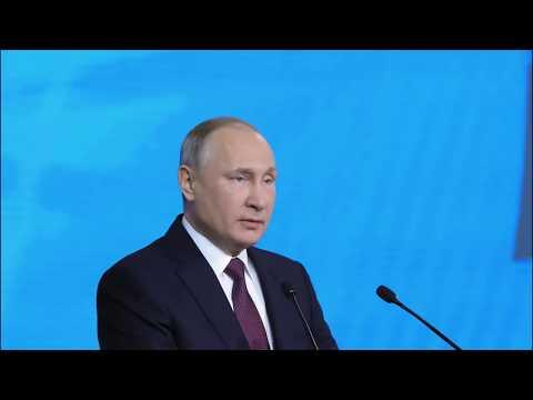 Владимир Путин подписал закон об увеличении МРОТ до уровня прожиточного минимума