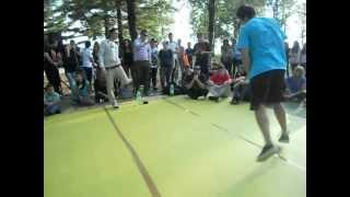 preview picture of video 'Break Come Back - BBoy Khatar vs. BBoy Shadow vs. BBoy Dade - 1 vs. 1 Breaking'