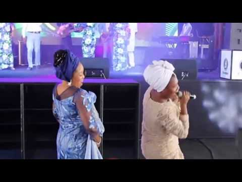 Tope Alabi on dancing competetion with  Bukola Bekes as she Sing Powerful Worship Songs To God