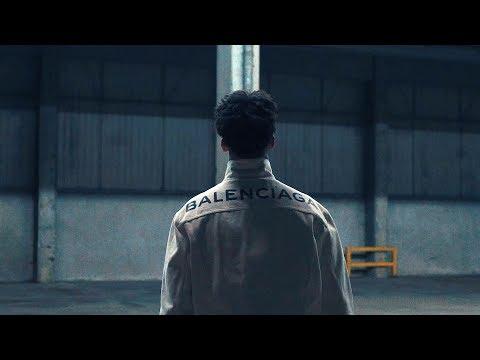 Ufo361 - Balenciaga klip izle