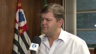 Prefeito de Rio Claro recebe população no gabinete