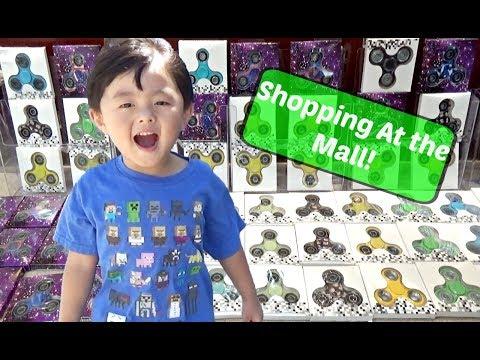TOY HUNT & FIDGET SPINNER Hunt at Shopping Mall & TOYSRUS