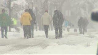 Widespread snow hits Oregon hard
