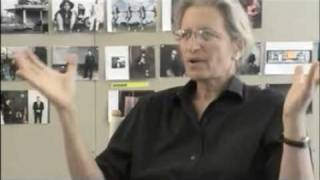 Trailer of Annie Leibovitz: Life Through a Lens (2007)