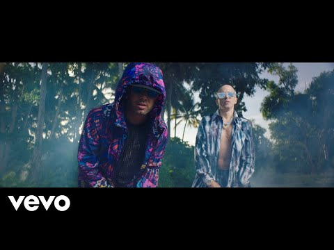 Wisin Amp Yandel Chica Bombastic Official Video