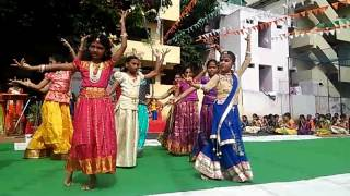 yugayugala charitha manadi patriotic song by sreegowthami students