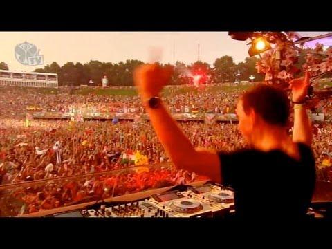 Đại Hội Tomorrowland 2013 Đẳng Cấp Của DJ Hardwell.Nào AE Mình Cùng Lên Nóc Nhà....