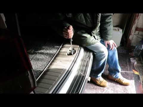 Как отрегулировать заднюю дверь автомобиля