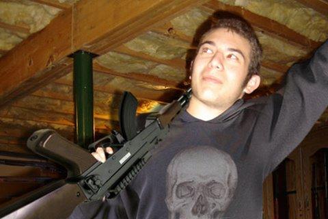 Historie pachatele střelby ve škole