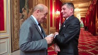 Secrets Et Coulisses Du Palais De L' ÉLYSÉE
