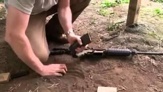 Смотреть онлайн Американский автомат М4 стреляет после грязи