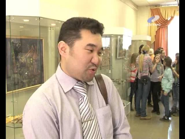 Открылась выставка работ юных художников ШИ№2