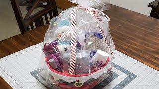 #giftbaskets #christmas #dollartree  DIY Christmas Gift Basket / Teenagers