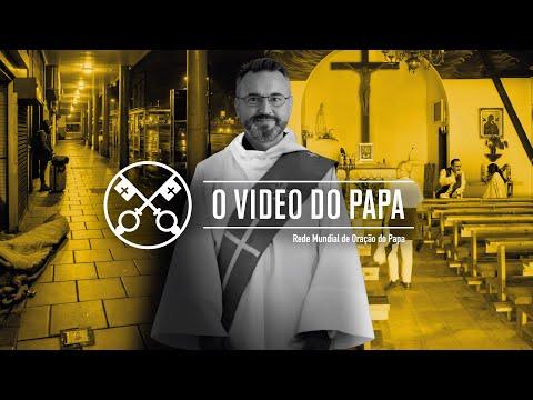 Papa reza pelos diáconos, no mês de maio
