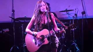 Anna Carina - Noches frias ( Tour AnnaCarinaPop HD )