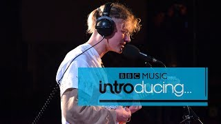 Yellow Days   Your Hand Holding Mine (BBC Music Introducing Session)