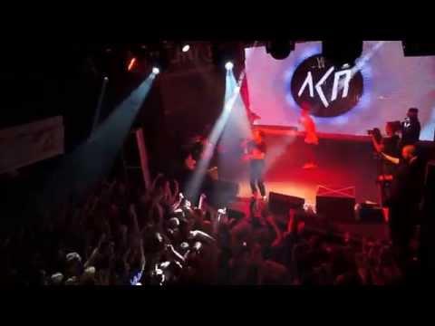ЛСП - Безумие (feat. PHARAOH) [live @ Театръ, Москва, 20.09.2015]