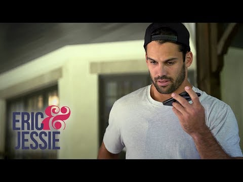 Eric Decker Finds Out Where He'll Play Football Next | Eric & Jessie | E!