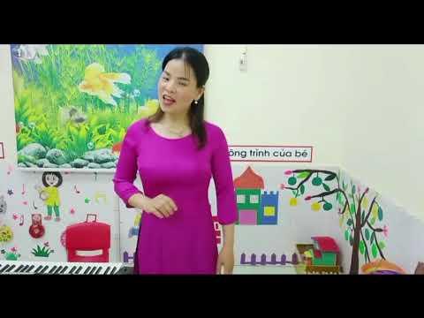 Dạy hát: Gà trống, Mèo con và Cún con do cô giáo Đào Thị Dinh giáo viên khối 3 tuổi thực hiện