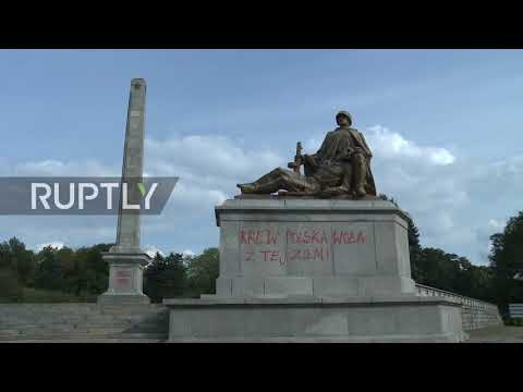 Poland: Soviet Military Cemetery in Warsaw desecrated with graffiti