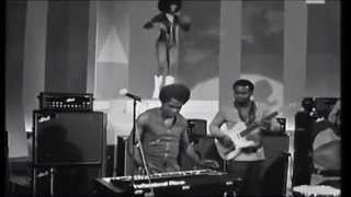 James Brown and the Original JB's (with Bootsy Collins) italian TV-show 1971