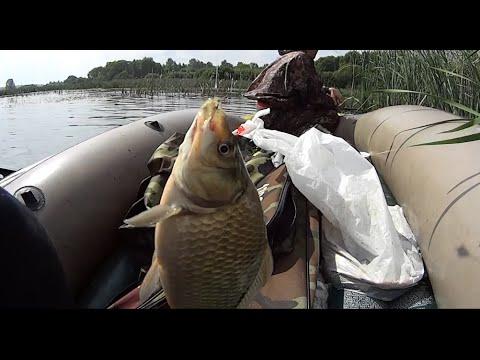 Рыбалка на крупного карася \ Дыра в лодке \ Флюс у Славика