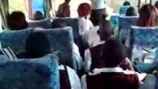 preview picture of video 'Woensdag 11 juli Stephen zingen bus'
