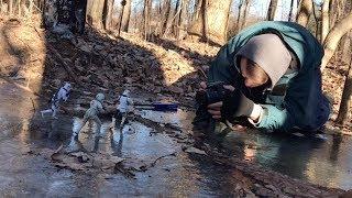 Профессиональный фотограф фотографирует игрушки - видео онлайн