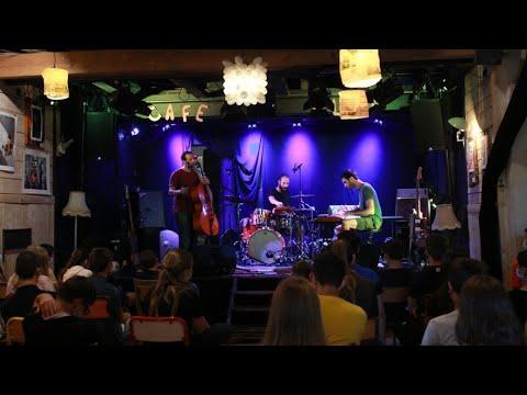 Lautrec : un week-end agité au Café Plùm