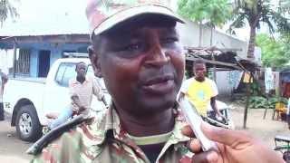 "preview picture of video '52 Militares das FADM  juntaram-se  ao Movimento ""Quelimane cidade limpeza""'"