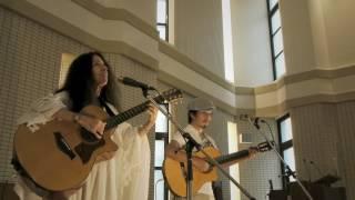 "Alicia Bay Laurel and Takuji ""Imagine"" and ""Give Peace a Chance""  in Hiroshima 08/08/2015"