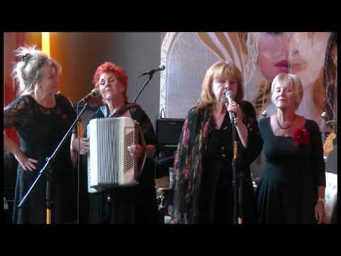 Optreden 'Er welt een traan': Bella ciao (3.08)