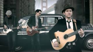 """Josh Rouse-  """"Julie (Come Out of the Rain)"""" Official Video"""