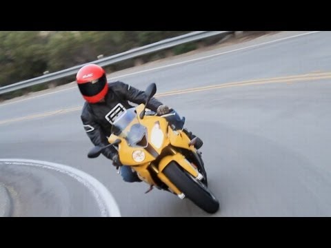 2011 BMW S1000RR Sports Bike Review