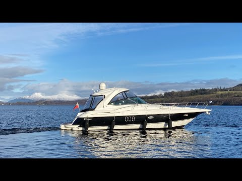 Cruisers Yachts 420 Express video