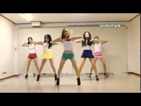 девушки танцует на опа ган гам стайл
