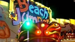 preview picture of video 'Wegener`s Beach Jumper auf der Schlosskirmes in Erwitte 2010'