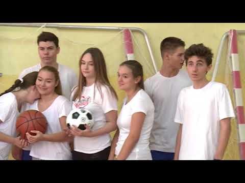"""DONACIJA SPORTSKE OPREME DVEMA ŠKOLAMA – SO """"SAVSKI VENAC"""""""