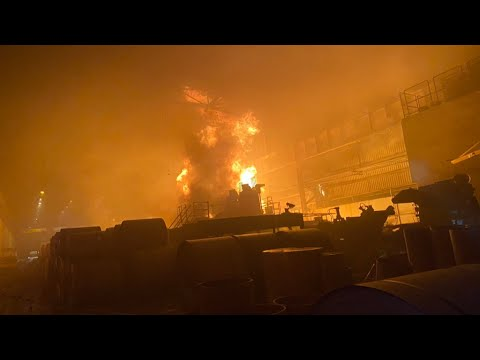 高雄燁聯鋼鐵油儲槽發生火警