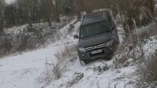 preview picture of video 'Mitsubishi Pajero 5 portes 3.2 DI-D sous la neige'