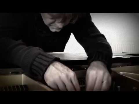 How to prepare a piano: Daan Vandewalle in actie