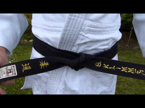 Wie binde ich einen Judo / Ju-Jutsu / Budo Gürtel? - Anleitung (TSV Bassen)