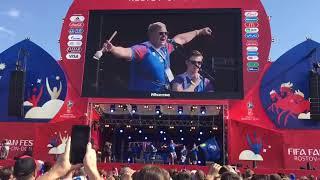 Болельщики Исландии поют