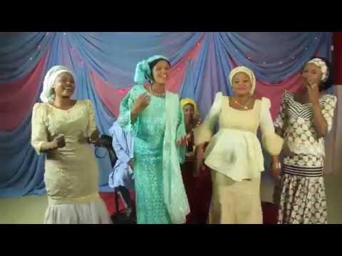 ASHA RAWA RAWA   ADO GWANJA (Hausa Songs / Hausa Films)